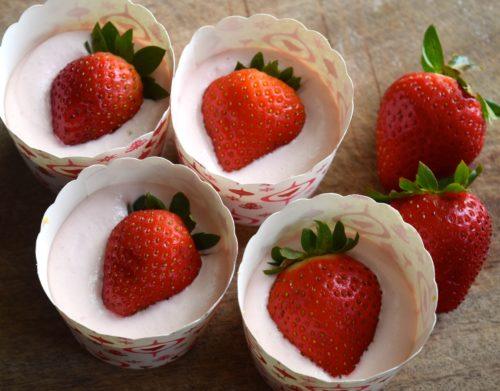 strawberry lemonade no bake cheesecakes